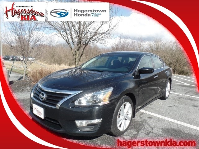 Pre-Owned 2014 Nissan Altima SV