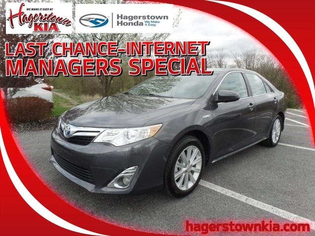 Pre Owned 2017 Toyota Camry Hybrid Xle 4dr Sedan In Hagerstown 9r45437a Honda