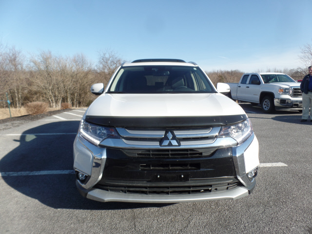 Pre Owned 2017 Mitsubishi Outlander Gt