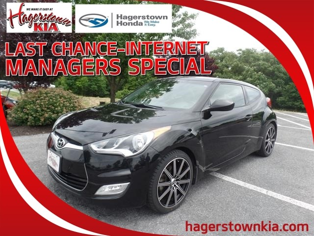 Pre-Owned 2014 Hyundai Veloster Base w/Gray