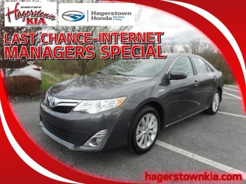 Pre-Owned 2013 Toyota Camry Hybrid XLE Hybrid