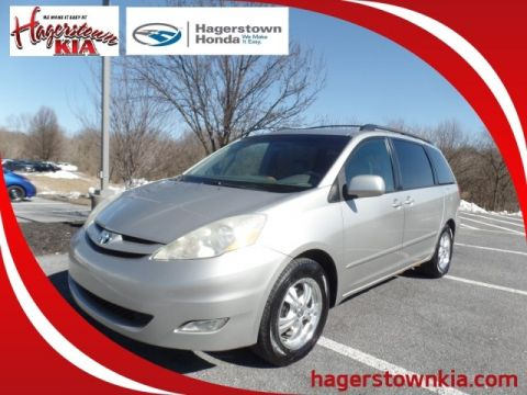 Pre-Owned 2006 Toyota Sienna XLE 7 Passenger